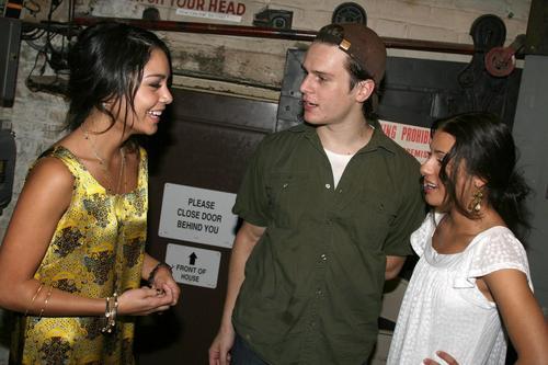 beroemdheden visit 'Spring Awakening' - August 17, 2007