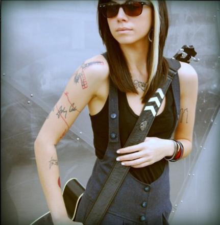 Christina-Perri-3-christina-perri-23522223-431-441.jpg