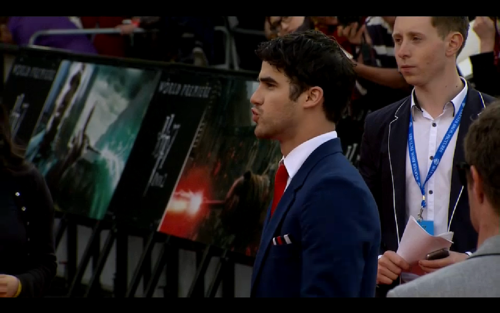 Darren Criss kertas dinding containing a business suit called Darren London Premiere Harry Potter