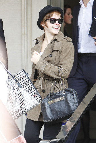 Emma Watson leaves her Hotel in London, Jul 8