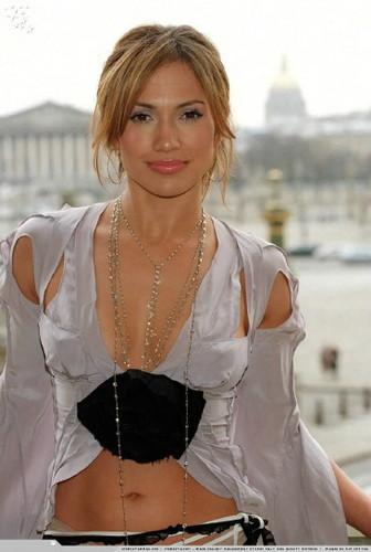 JLo in Paris 2003