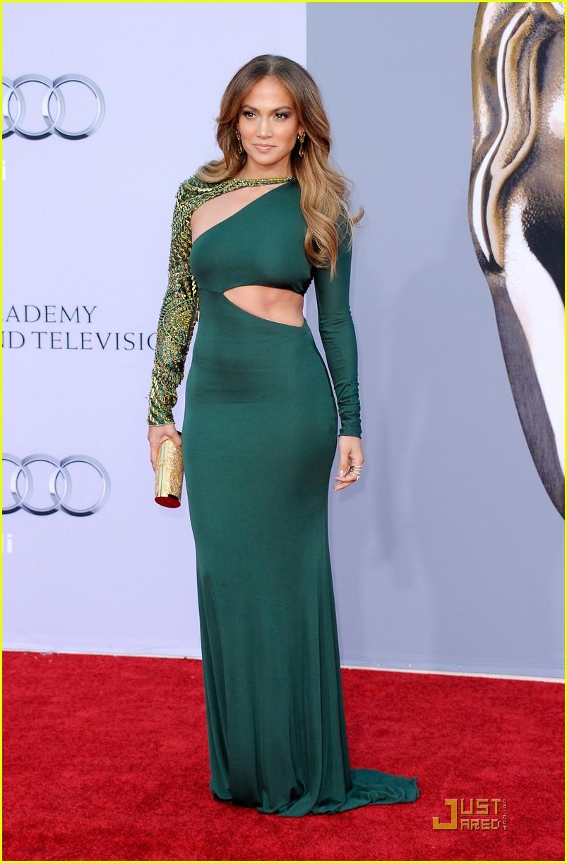 Фото дженнифер лопес в зелёном платье