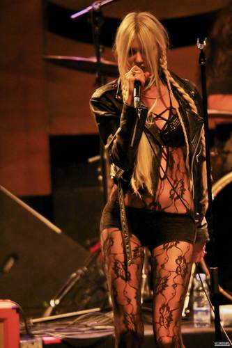 July 7th – The Pretty Reckless Perform in konsert in Madrid