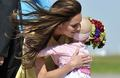 Kate Middleton hugs 6-year-old cancer sufferer and makes her feel so special: Royal Tour دن 8 video