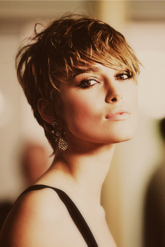 Keira Knightley wallpaper probably containing a portrait called Keira |