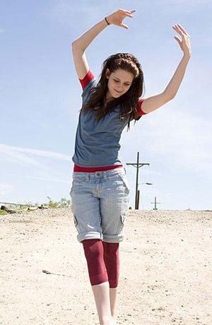 Kristen Stewart's ballet pose