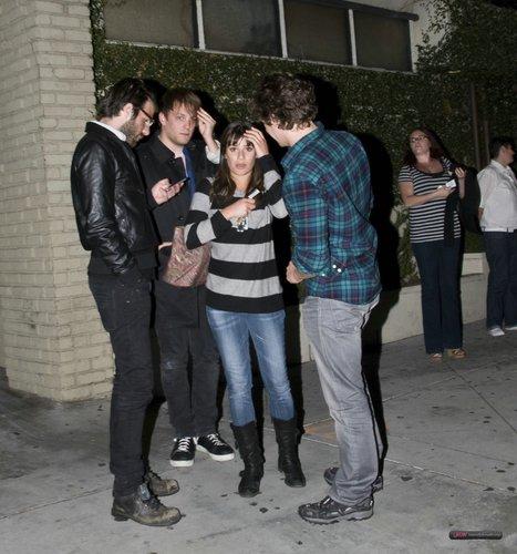 Lea Michele dines with vrienden - April 21, 2011