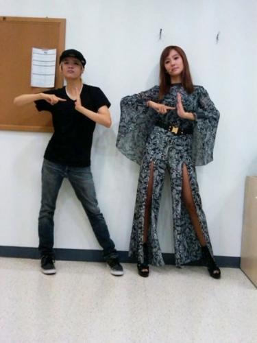 哈哈 (Amber with Dana)