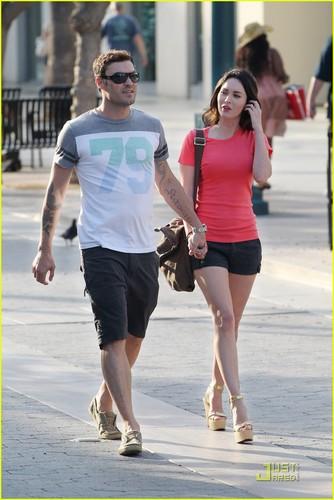 Megan fuchs & Brian Austin Green: Promenade Pair
