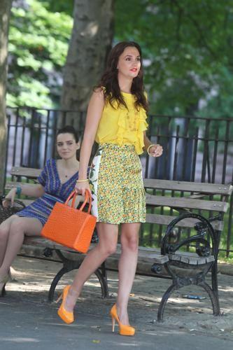 مزید تصاویر of Leighton Meester on the set of Gossip Girl season 5
