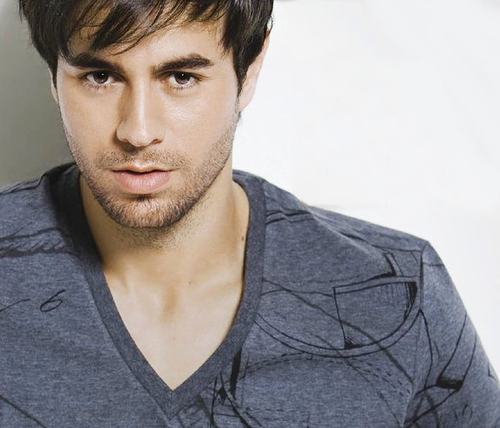 Enrique Iglesias wallpaper possibly containing a portrait called Mr.Hot Iglesias
