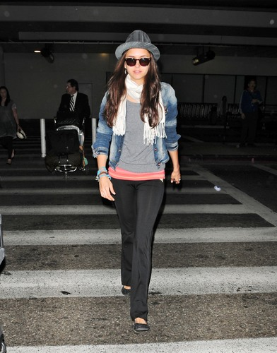 Nina - Arriving at LAX with Ian - July 05, 2011
