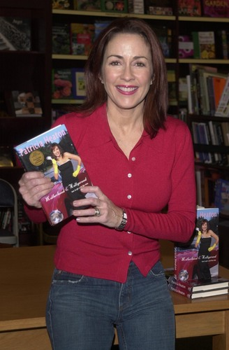 patricia heaton fondo de pantalla with a bookshop, a newsstand, and an athenaeum called Patricia Heaton