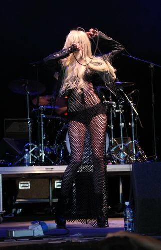 taylor momsen wallpaper probably containing a show, concerto titled Performs Live At Oxegen Festival In Ireland