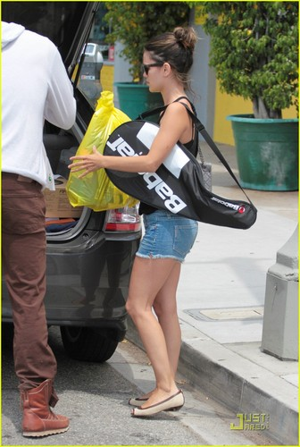 Rachel out in LA