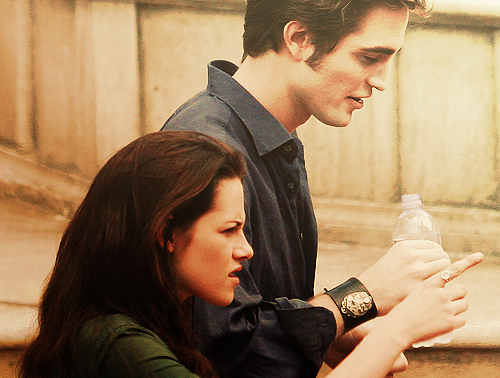 Robert Pattinson & Kristen Stewart wallpaper titled Robsten <3333