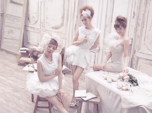 SNSD Sunny, Yuri & Jessica 1st Japanese Album