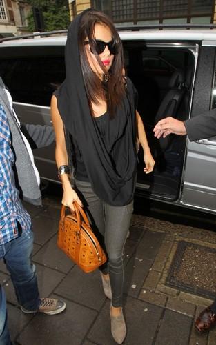 Selena Gomez: Metropolitan Marvelous