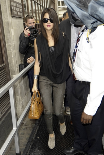 Selena - Leaving BBC Radio 1 Studios - July 07, 2011