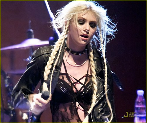 Taylor Momsen: Sala Caracol with The Pretty Reckless!
