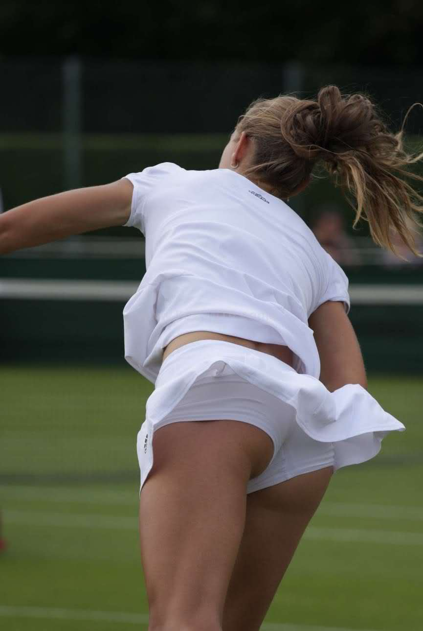 Arantxa Rus is Unencumbered with Skirts