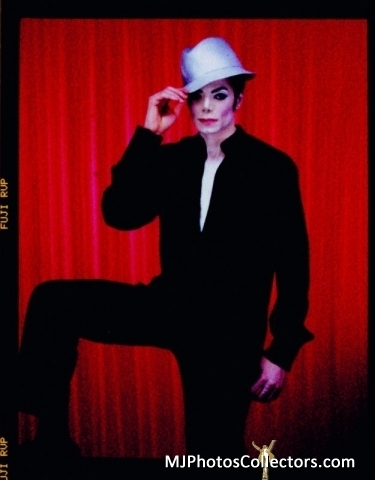 michael jackson red curtain