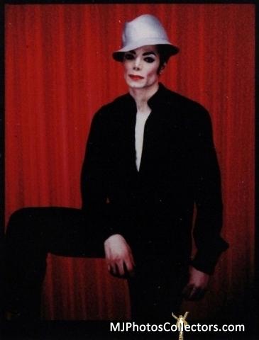 michael jackson red curtain