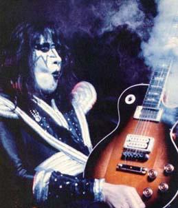 Ace ~ Smokin' guitar, gitaa