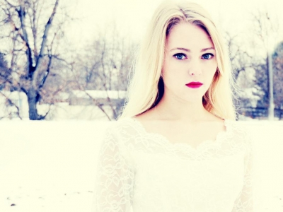 AnnaSophia Robb wallpaper probably containing a snowbank and a portrait entitled Anna cute sophia best robb