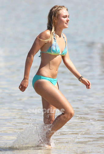 AnnaSophia Robb in a Bikini on the Beach in Oahu, Hawaii, July 11