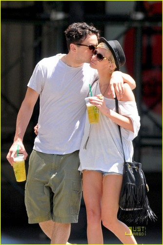 Ashlee Simpson & Vincent Piazza: halik Kiss!