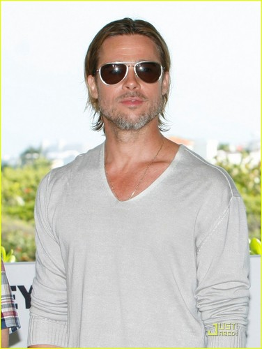 Brad Pitt: 'Moneyball' Photocall in Mexico!