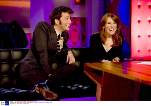 Catherine Tate 바탕화면 possibly containing a 음악회, 콘서트 and a pianist called Catherine