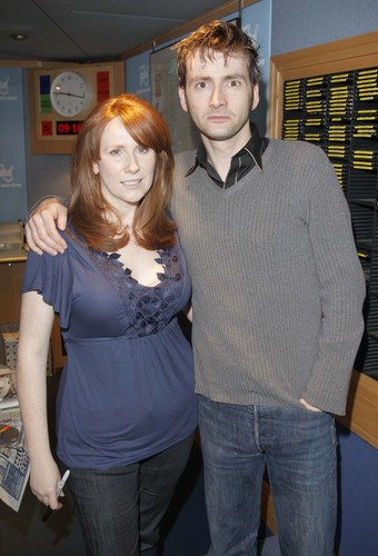 Catherine Tate 바탕화면 probably with bare legs, a top, and tights called Catherine