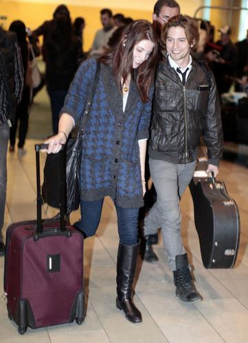 Jackson Rathbone and Ashley Greene