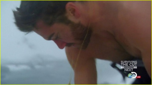 Jake Gyllenhaal: Shirtless on 'Man vs. Wild'!