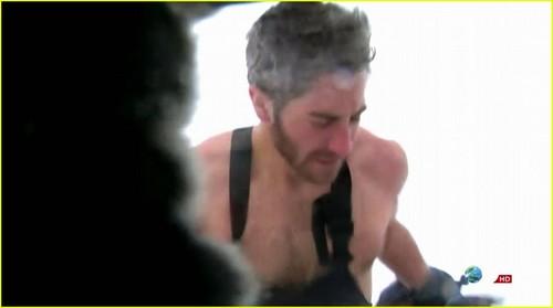 Jake Gyllenhaal: Shirtless on 'Man vs. Wild'!