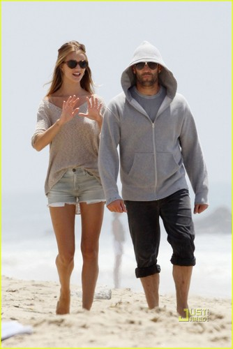 Jason Statham: Seaside Stroll