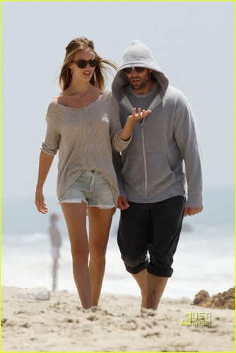 Jason Statham wolpeyper possibly containing bare legs, a playsuit, and a hip boot titled Jason Statham: Seaside Stroll