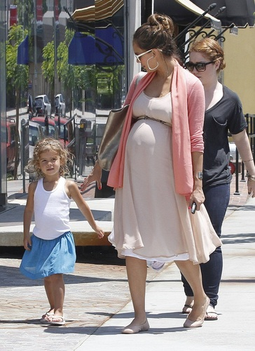 Jessica - Shopping at Bel Bambini in Beverly Hills - July 08, 2011