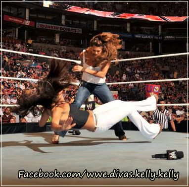 Kelly Kelly vs Melina. - kelly-kelly Photo
