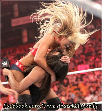 Kelly Kelly vs Melina
