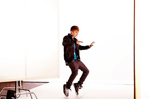 Justin Bieber wallpaper containing a hip boot called Kidrauhl.