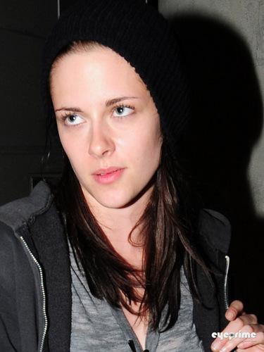 Kristen Stewart Lands at LAX, Jul 10