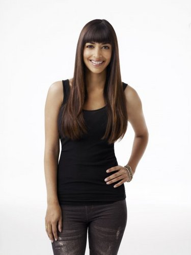 New Girl Cast Promotional foto - Hannah Simone as Cece