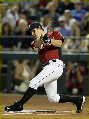 Nick Jonas: All-Star Legends & Celebrity Softball Game (07.10.2011) !!