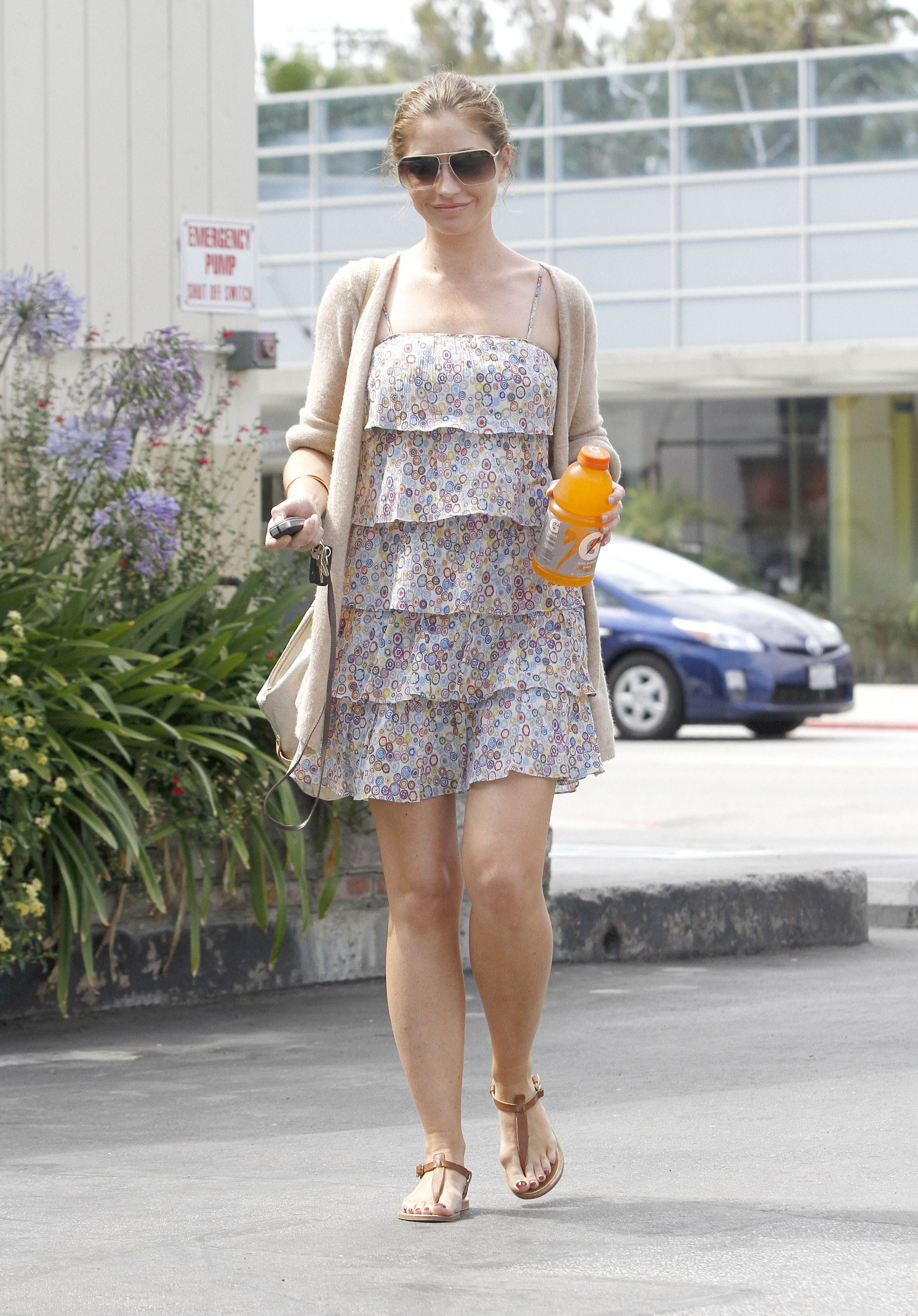 How To Use Noxzema >> Out & About In West Hollywood 07 07 2011 - Rebecca ...