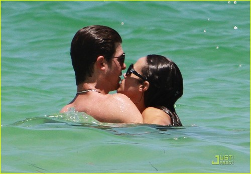 Hottest Actors wallpaper called Robin Thicke & Paula Patton: Miami Mates!
