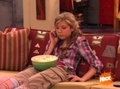 Sam talking to Carly - samantha-puckett photo