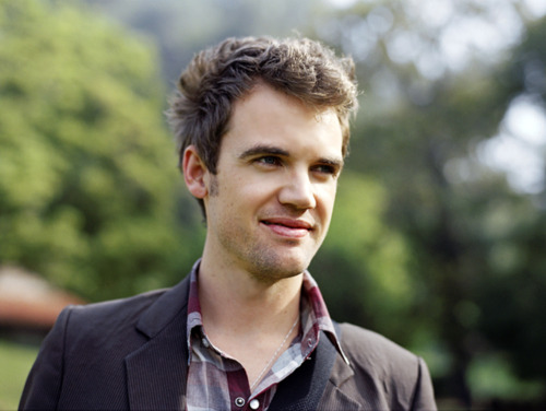 Tyler Hilton wolpeyper containing a business suit entitled TylerHilton